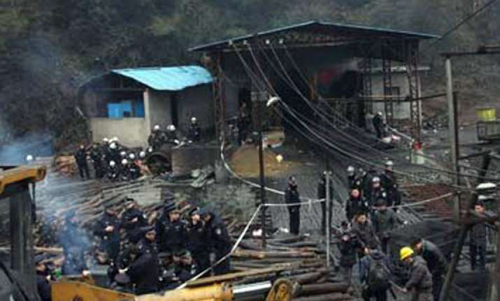 china factory blast kills 10 injures 17