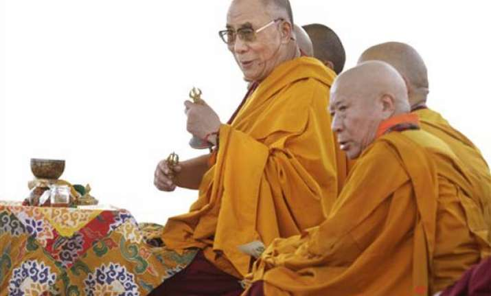 china lashes out at us as obama meets dalai lama