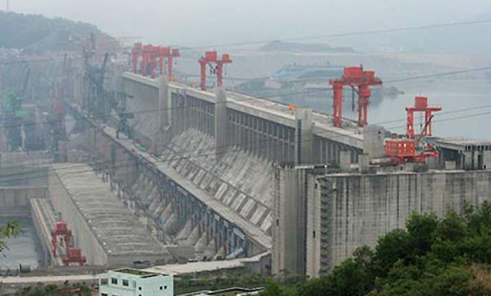 china s three gorges dam to displace one lakh people
