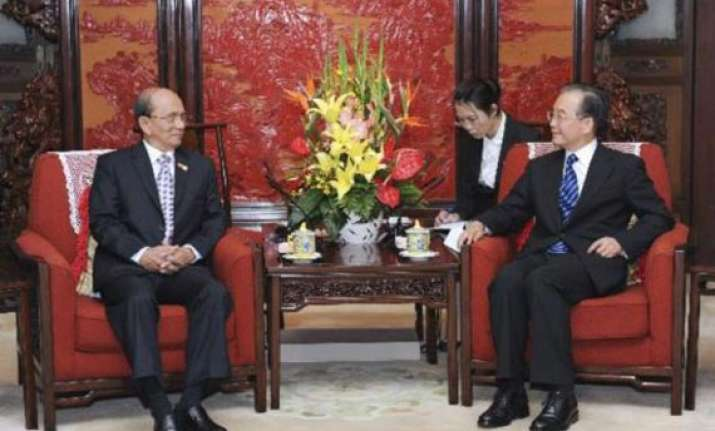 chinese premier discusses ties with myanmar president
