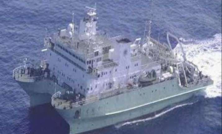 chinese survey ship takes over mh370 sub sea search