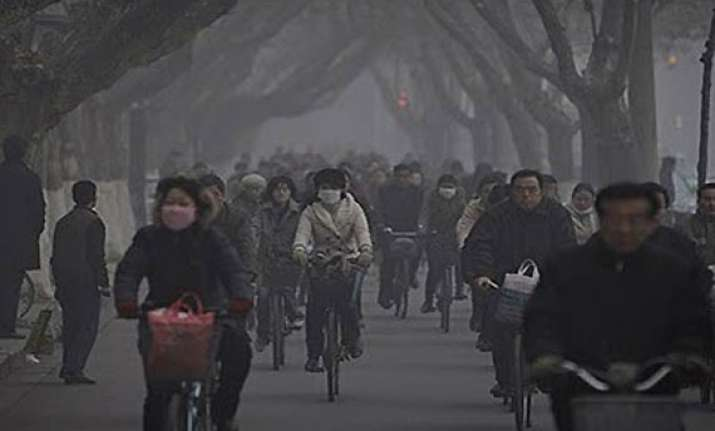 chinese go online to vent anger over pollution