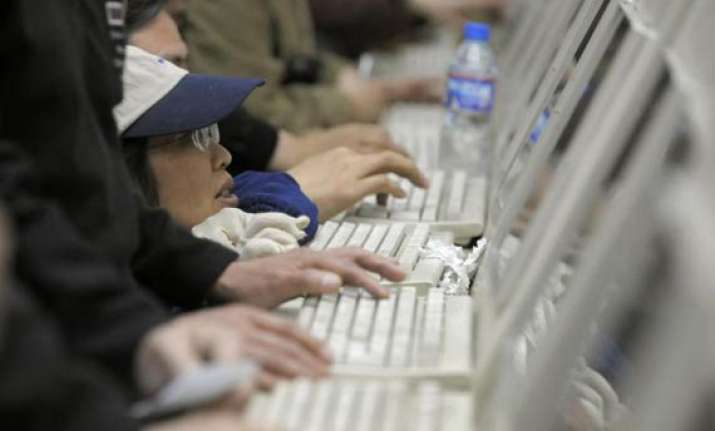 chinese hackers break into hundreds of gmail accounts says