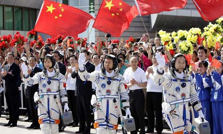 chinese astronauts may grow vegetables on moon