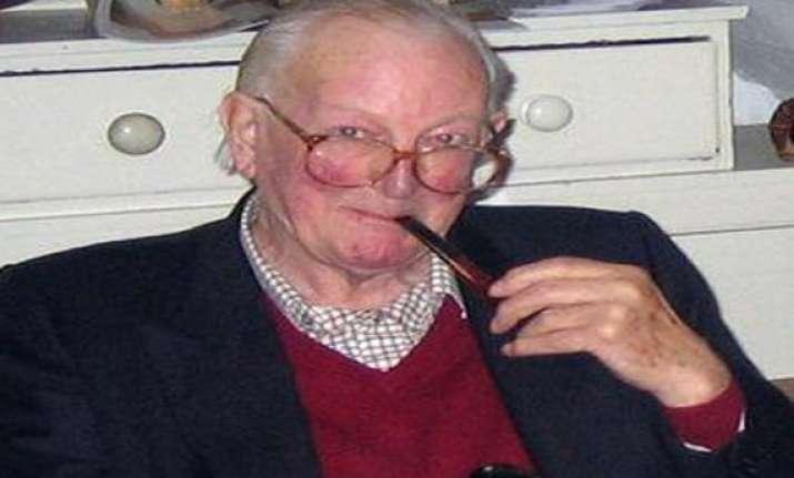 comic novelist tom sharpe dies at 85