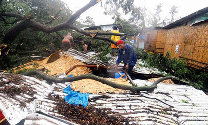 deth toll in philippines typhoon crosses 100