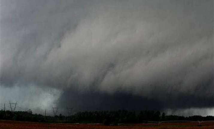 dozens of tornadoes kill 201 people in the us