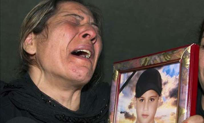eu us impose new syria sanctions as death toll rises