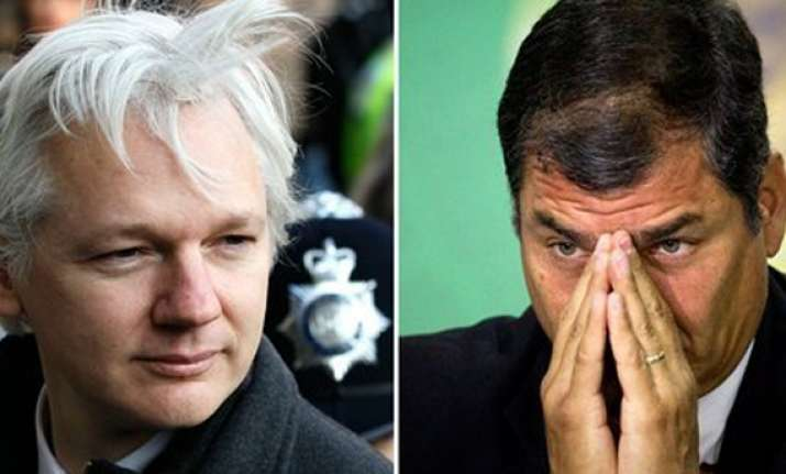 ecuador s envoy heads to quito for assange talks