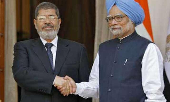 egypt president morsi wants india to join suez canal