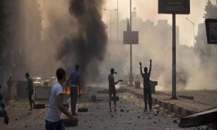 egypt 51 killed in new bout of street violence