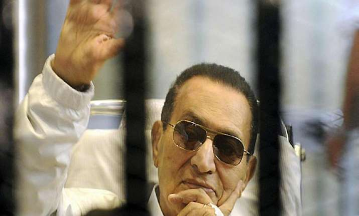 egypt set to free mubarak from jail for mandatory house