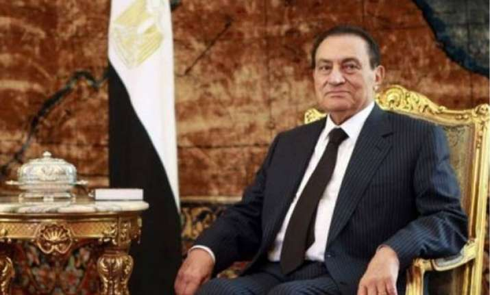 egypt army takes control sign mubarak on way out
