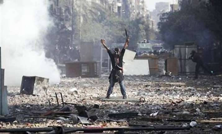 egypt s military rulers apologise for deaths of protesters