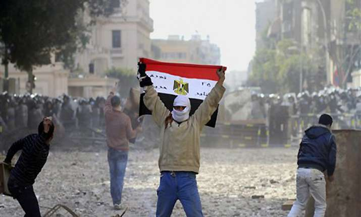 egyptians demand end to military rule 3 killed in violence