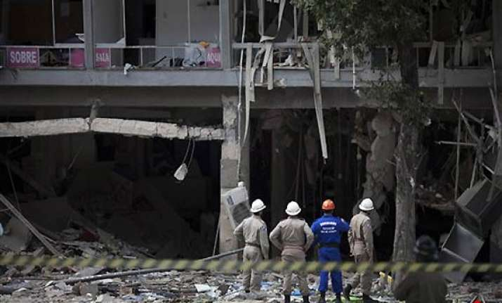 explosion hits restaurant in brazil 3 killed