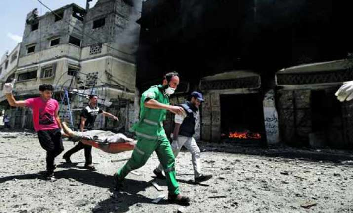 israel presses blistering attack on gaza toll rises to 524