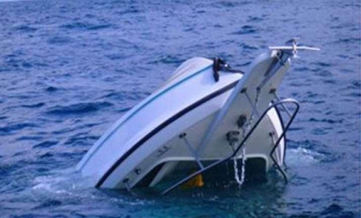 fishing boat sinks almost 25 feared dead in karachi
