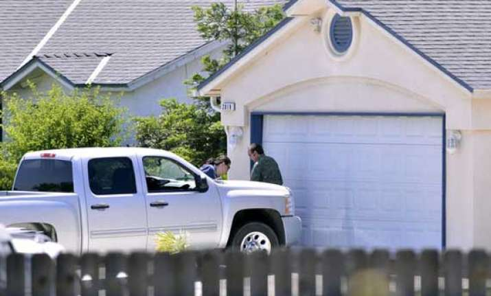 former indian army officer kills family self in us