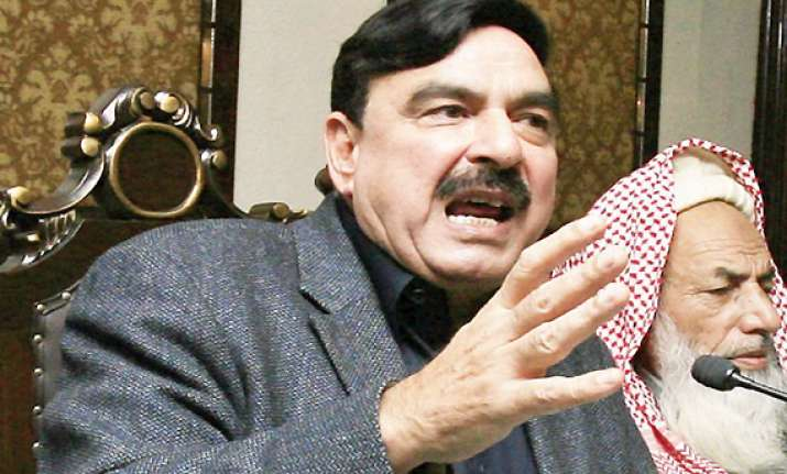 former pak minister detained at us airport