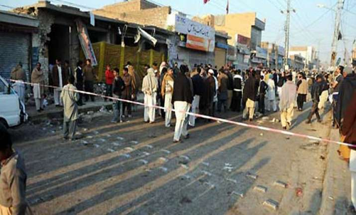 four suicide bombers killed in pakistan