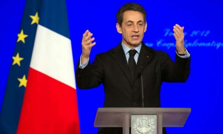 france threatens early exit from afghanistan
