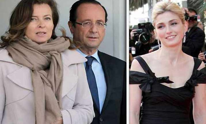 Francois Illas New Tradition: Francois Hollande Affair: French First Lady Hospitalized
