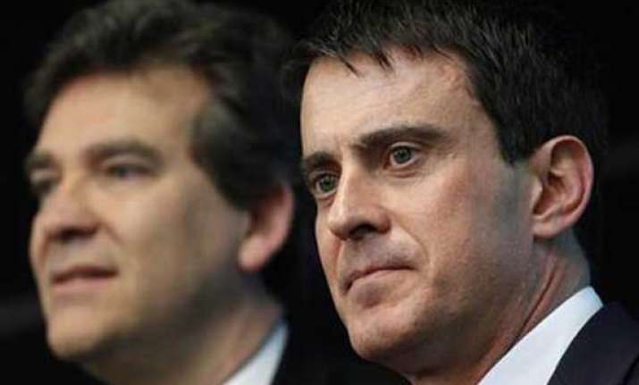 french government dissolved amid internal feud