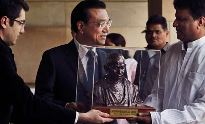 gandhiji s shawl sandals rice bowl to be auctioned in