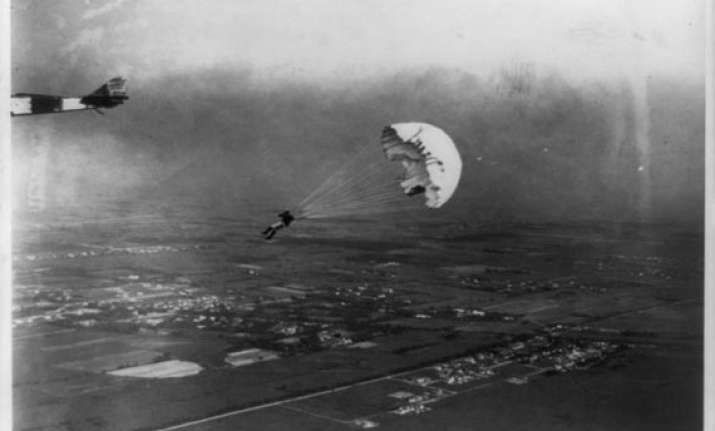 google celebrates world s first parachute jump 216 years ago