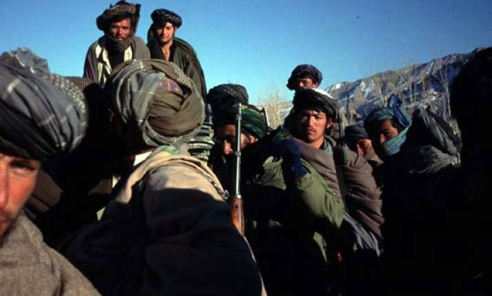 gunmen take swiss couple to pakistani tribal area