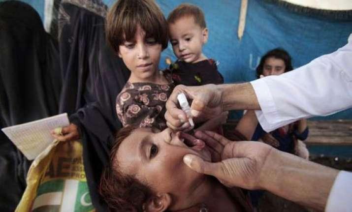 gunmen kill 4 female polio workers in pakistan