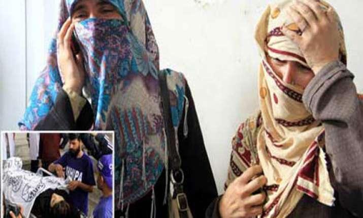 gunmen kill two more polio workers in pakistan