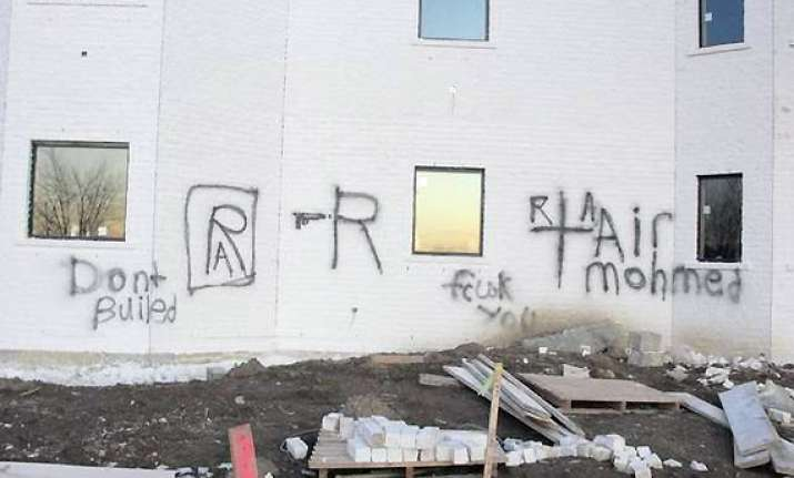 gurdwara vandalised in us with anti muslim graffiti
