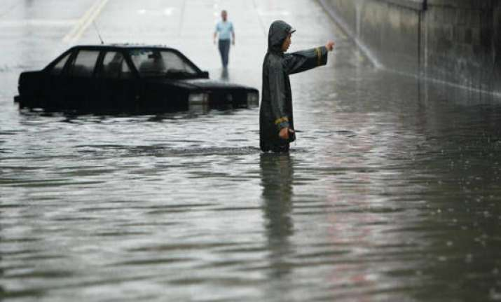 heavy rain hits over 650 000 people in china