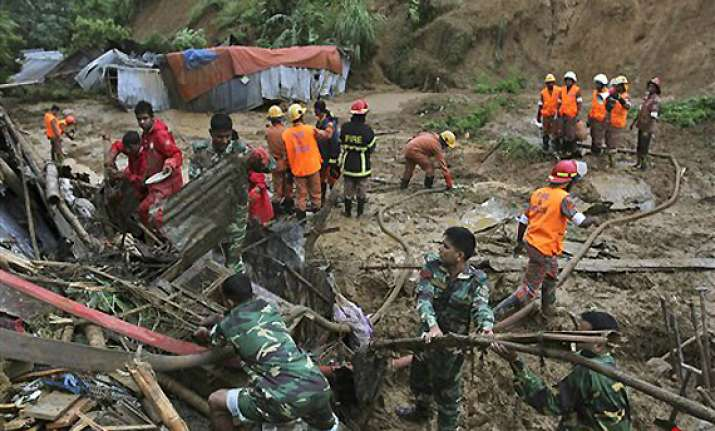heavy rains landslides kill 83 in southwestern bangladesh