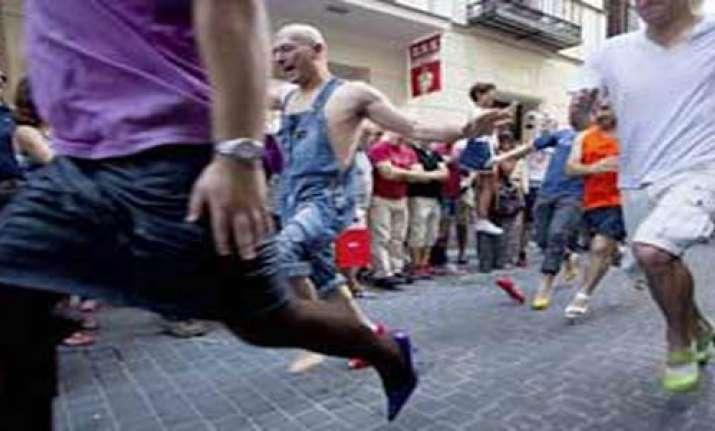 high heels race for men during madrid s gay week