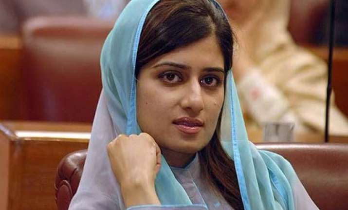 hina rabbani khar wants to give direction to indo pak ties