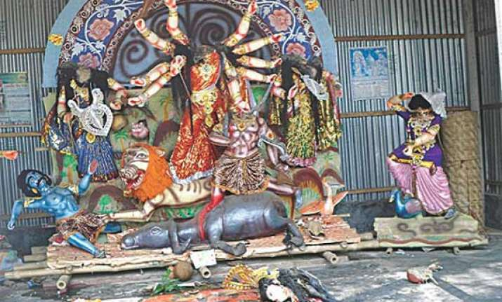 hindu housholds temple attacked in bangladesh