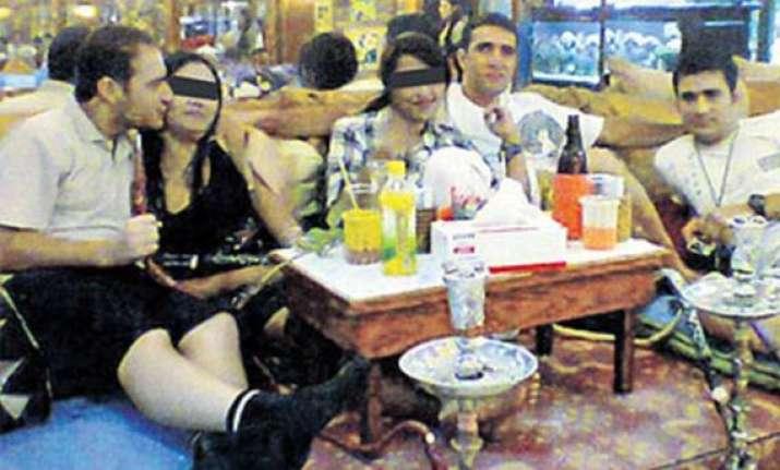 hookah and hookers bangkok police says bungling iranian