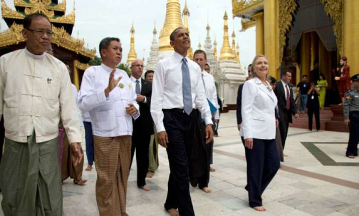 huge crowds in yangon welcome obama
