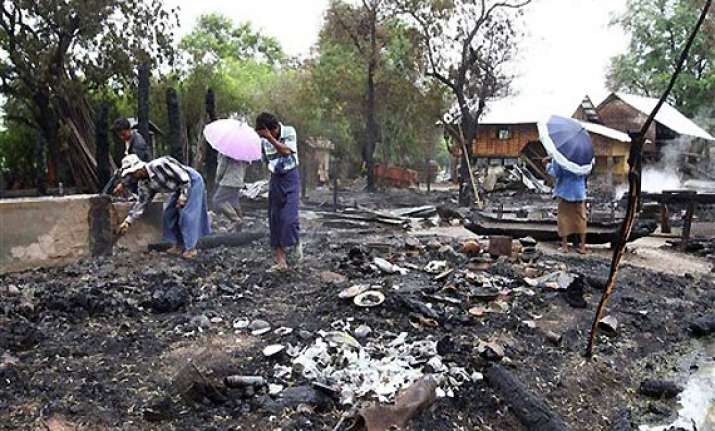 hundreds homeless after buddhist mobs torch muslim homes in