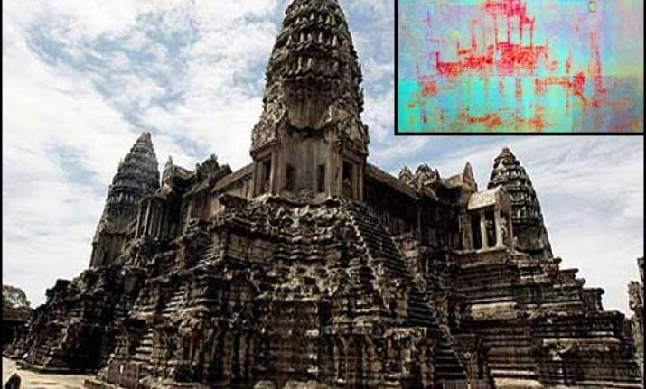 hundreds of lost paintings found in cambodia s angkor wat