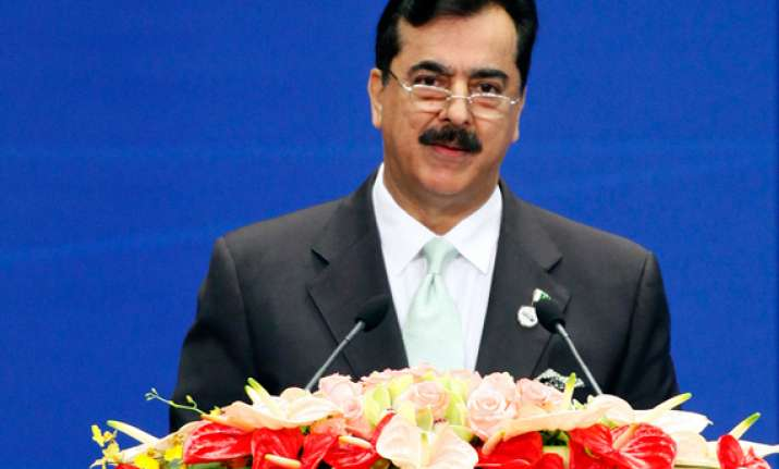 isi should have no role in pak politics says gilani