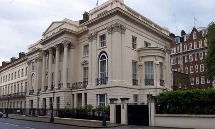 in a record uk house for sale at 100 million pound sterling