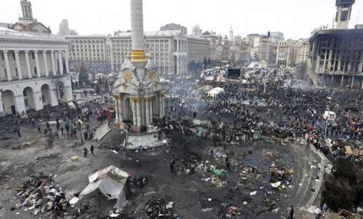 india evacuates 1 000 nationals from ukrainian city