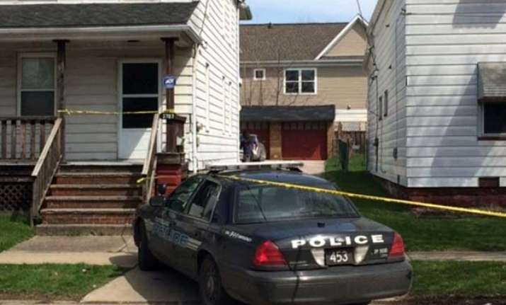 3 year old shoots dead 1 year old in us home