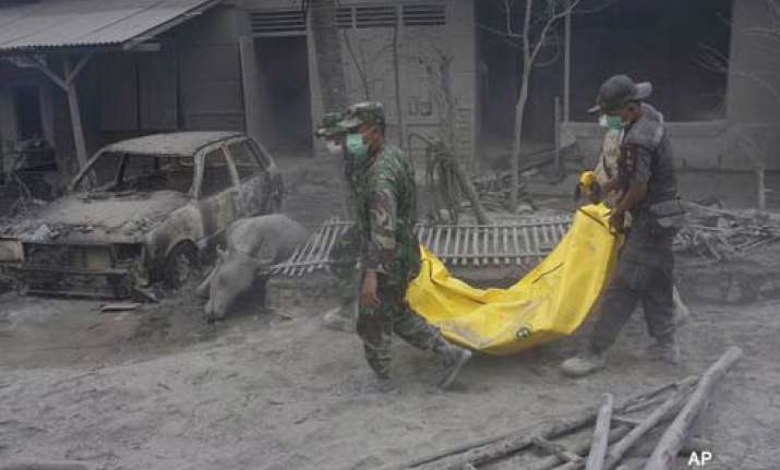 blast from indonesia volcano raises deaths to 122