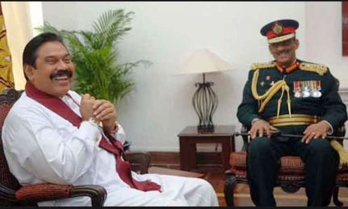 rajapaksa told fool fonseka to avoid politics