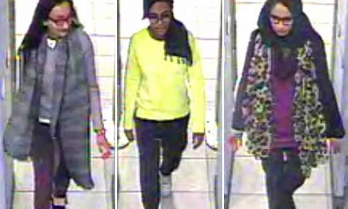 3 british teens suspected of trying to join isis arrested